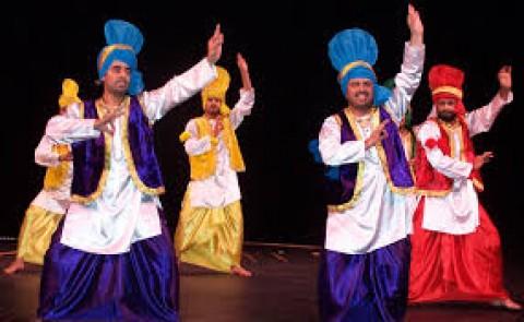 Traditional And Fashionable Punjabi Dresses
