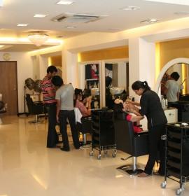 Strands Salon